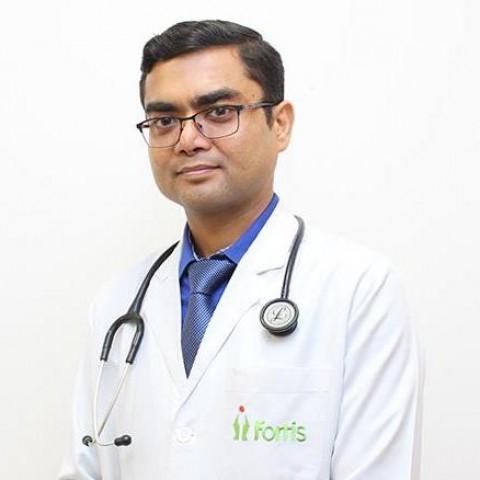 https://doctors.fortishealthcare.com/uploads/assets/doctors/2018/6/1529560640Ashu-Abhishek.jpg